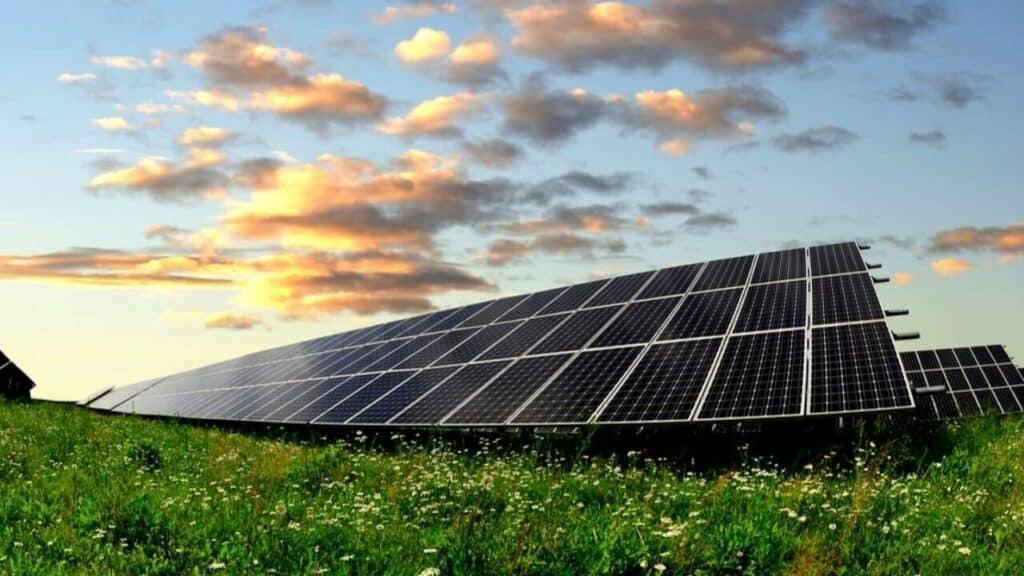 gran sitio donde hay placas solares